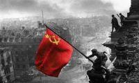 Η κόκκινη σημαία στο Ράιχσταγκ είναι η απάντηση στον άθλιο αντικομμουνισμό